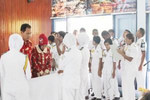 3. Acara pelepasan Kepala SUPM Negeri Waiheru Ambon yang di iringi oleh paduan suara