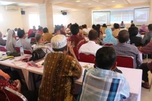 Peserta Kegiatan Penyebaran Informasi Program SMA/SMK Se-Provinsi Maluku Tahun 2014 di Hotel Wijaya, 29 April 2014