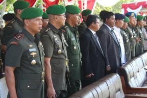 Tamu Undangan yang menghadiri Upacara Penutupan Pendidikan Pertama Tamtama TNI AD di lapangan Rindam, Suli - Ambon,
