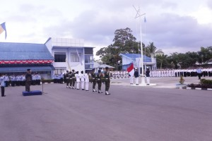 Suasana pengibaran Sang Merah Putih pada upacara HUT RI yang ke 70 yang di ikuti oleh seluruh pegawai dan siswa SUPM Waiheru Ambon
