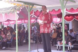 Amanat dari Inspektur upacara yaitu Bapak Walikota Ambon (Richard Louhenapessy, SH)