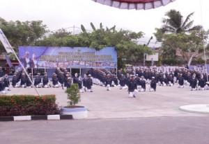 Antraksi Peraturan Baris Berbaris (PBB) dari para siswa baru angkatan XXX tahun pelajaran 2015/2016